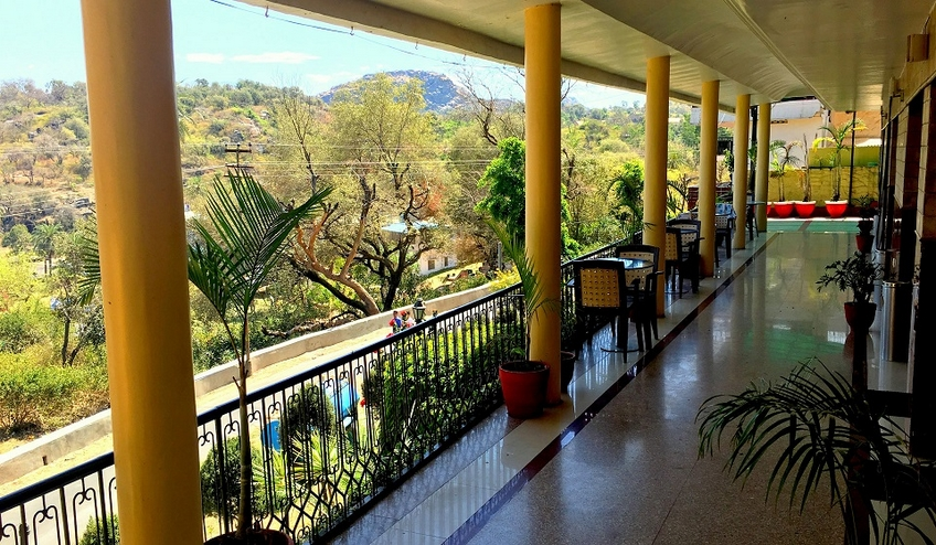 Hotel Aradhana, Mount Abu