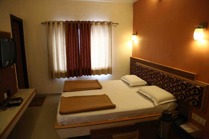Hotel Crystal Inn, Mount Abu