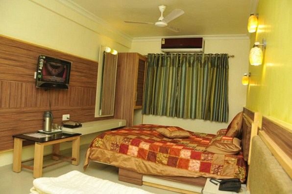 Hotel Crystal Inn, Mount Abu