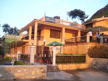 Hotel Lake Palace, Mount Abu